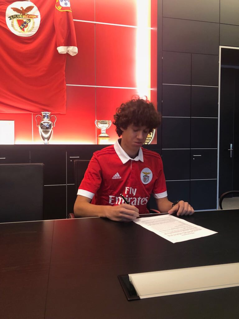 Petar Pavlicevic signed 5 year contract with Benfica